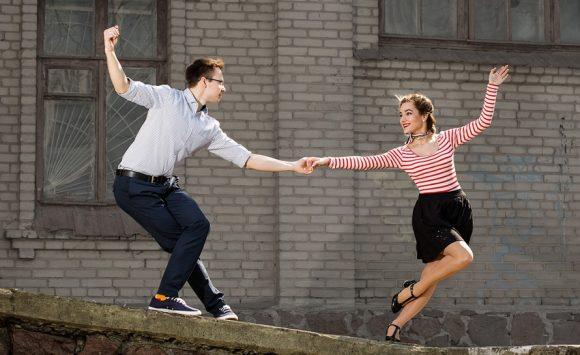 Swing Dansı Nasıl Yapılır?
